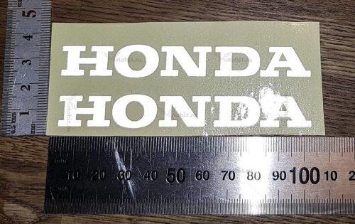 Маленькая надпись Honda — светоотражайка
