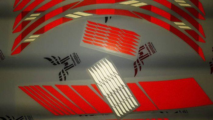 Универсальный светоотражающий комплект на колёса