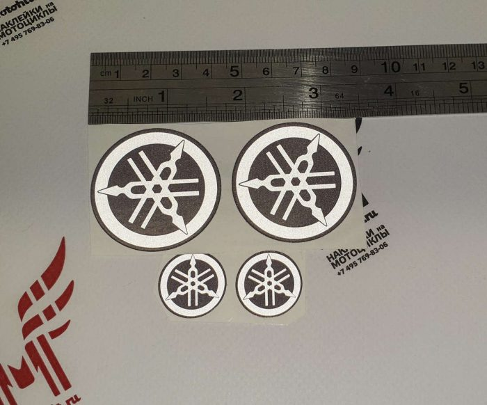 Набор плоских светоотражающих логотипов Yamaha на бак